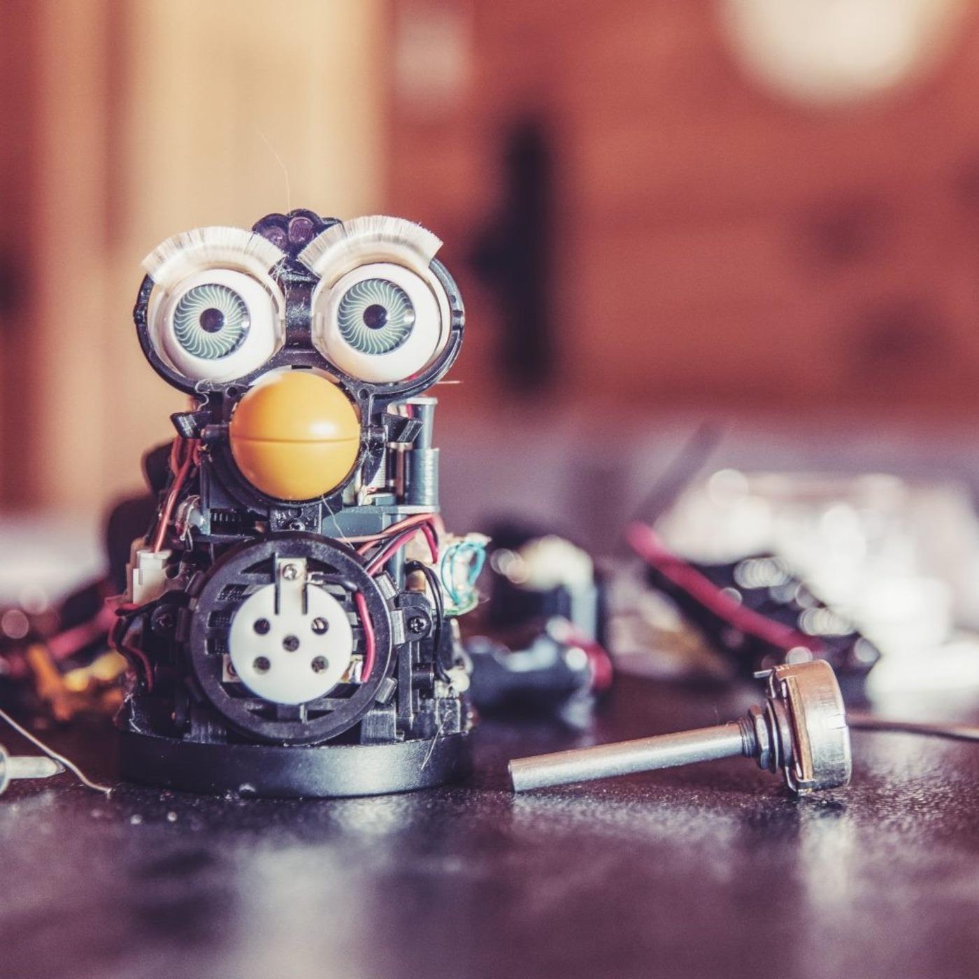 Geekeries lyonnaises et joyeusetés transmédias | avec Faouzi Boughida