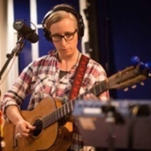 "Laura Veirs: ""Seven Falls"" Live on MBE"