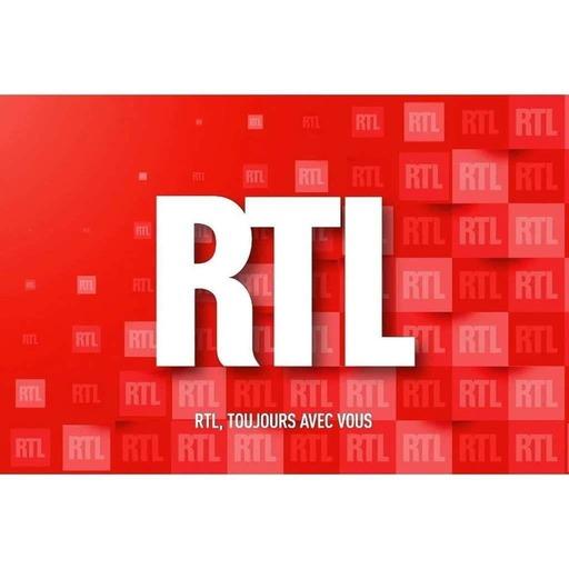 """Julien Doré en concert dans """"Le Grand Studio RTL"""""""