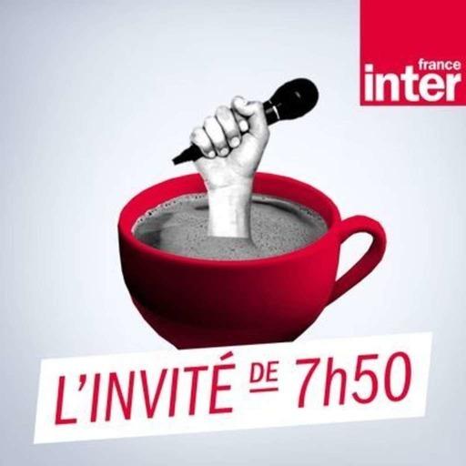 """Edouard Baer : """"Reprendre une conversation gratuite, celle de la vie"""""""